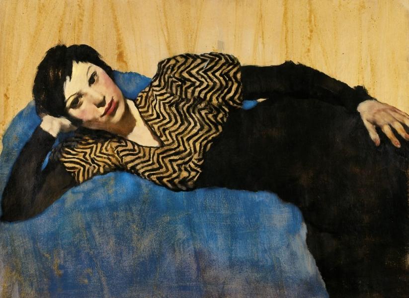 Lotte Laserstein - Von Angesicht zu Angesicht. Lotte Laserstein (1898-1993), Liegendes Mädchen auf Blau, um 1931, Öl auf Papier, 69 × 93 cm, Privatbesitz, Courtesy DAS VERBORGENE MUSEUM, Berlin Foto: DAS VERBORGENE MUSEUM, Berlin © VG Bild-Kunst, Bonn 2018